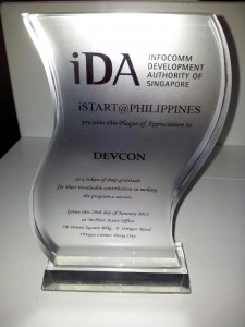 DevCon-iSTART Plaque of Appreciation. Photo by Florida Ortiz