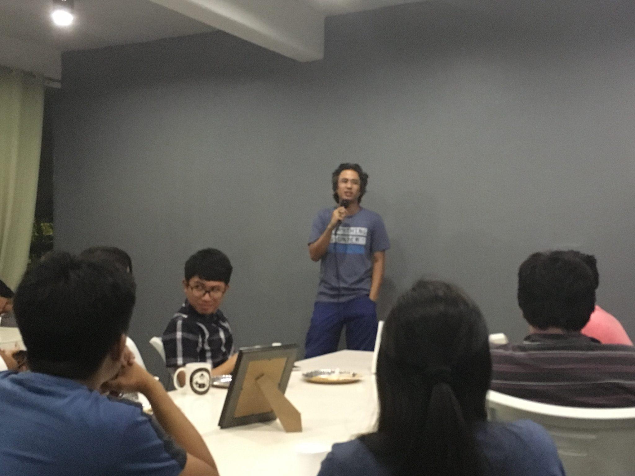 Jet Dario, DevCon Lead sharing how DevCon Iloilo started